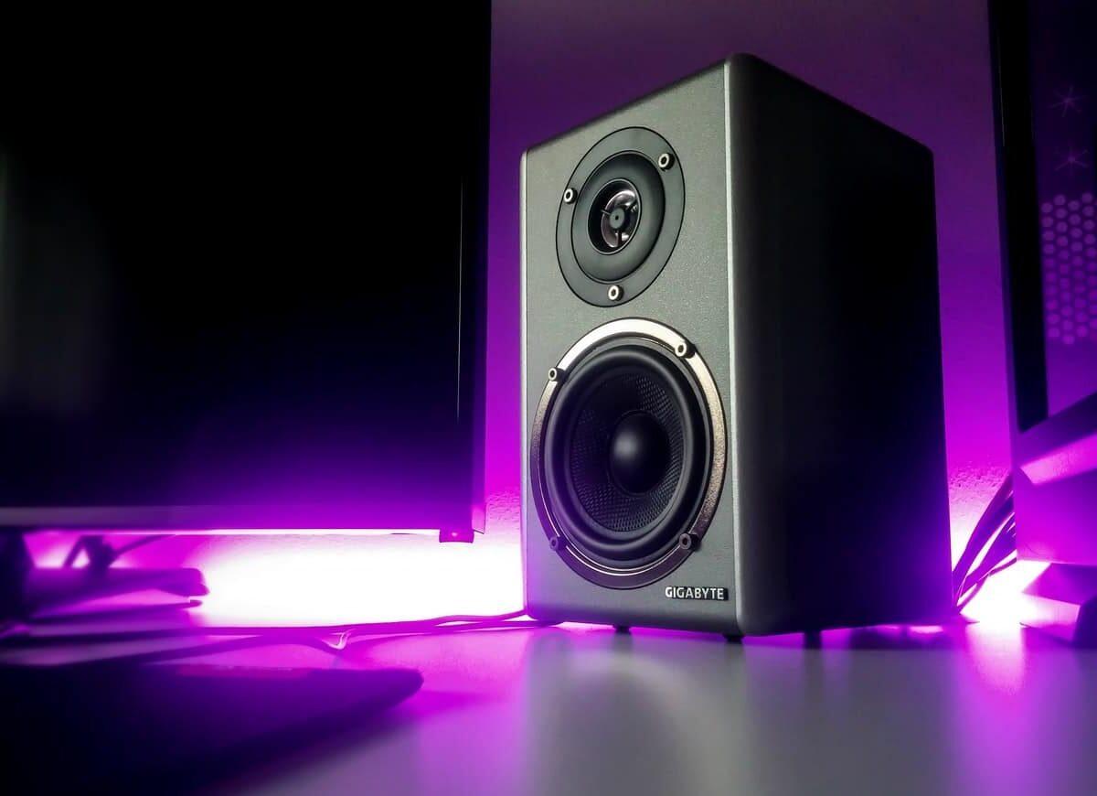 black-speaker-close-up-photography-2651794